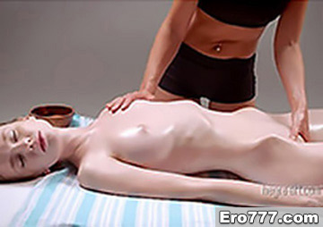 Нежный массаж молодой худышки
